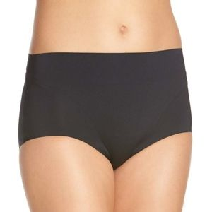 NEW SPANX Retro Shaping Panties in Black